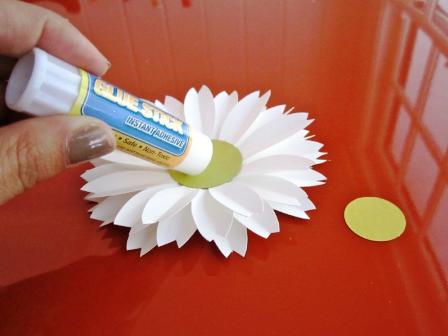 Как сделать из бумаги цветы своими руками ромашка